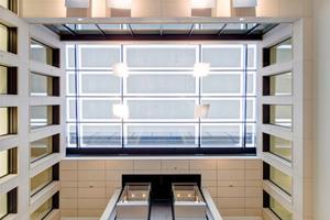 Blick an die Decke der Eingangshalle<br />