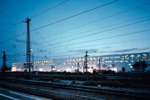 Ein auf die hohen Energieströme in Zusammenhang mit der Umweltenergie maßgeschneidertes Energiekonzept für jedes Shopping Center gehört zu den Schwerpunkten der Bohne Ingenieure GmbH; die Pasing Arcaden in München werden mit einem mehrstufigen System aus Geothermie, Abwärmenutzung und Anergiepotential der Umgebung konditioniert<br />