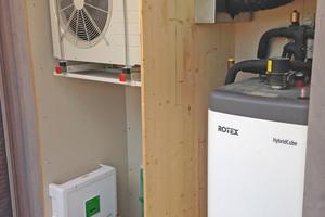 """... mit einem 300-l-Warmwasserspeicher Rotex-""""HybridCube"""" zum Einsatz."""