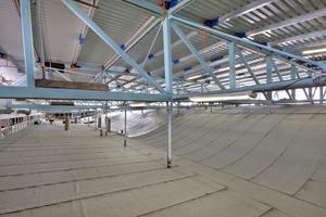 Die Entwässerung des wellenförmig angelegten Dachs des Agrippabades war eine technische Herausforderung<br />