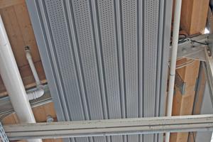Die niedrige Bauhöhe ermöglichte es, die Bänder durch die Stahlkonstruktion zu führen.<br />