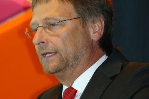 Gewohnt gab Günther Mertz seinen Geschäftsbericht