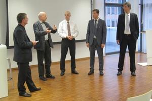 Im Rahmen einer Diskussion wurden weitere Aspekte der Gebäudeautomation und der KfW-Förderung diskutiert.  (Foto: Hosch)