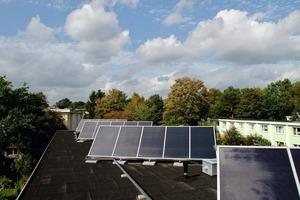 Aktuell werden 131 Wohneinheiten durch eine Kollektorfläche von 220 m² mit solarer Wärme versorgt<br />