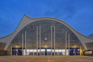 Das Mehr! Theater in Hamburg ist in den Großmarkt integriert und besticht durch die besondere Bogenarchitektur und ...