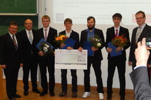 Vorstand und Preisträger (v.l.n.r.): Prof. Reichel, A. Bauer, Preisträger: E. Gärtner, T. Klemm, M.<br />Sachse, T. Wohlfahrt und Vorsitzender M. Jessen<br />