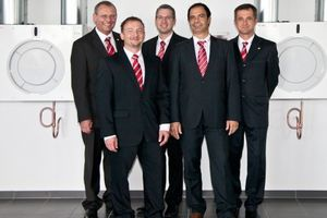 Das Dimplex-Lüftungsteam mit (v.l.n.r.) Vertriebsleiter Lüftung Karl Stuhlenmiller (links außen) und die Außendienstler Nico Picker, Ralph Stellamans, Antonio Piras und Dirk Riecke