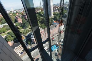 Bis zu 66 m Höhenunterschied legen die beiden Panoramakabinen zurück<br />