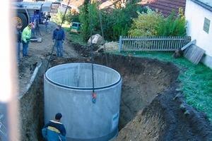 Versetzen des Pelletspeichers aus Stahlbeton-Fertigteilen, Fassungsvermögen 22 m³<br />