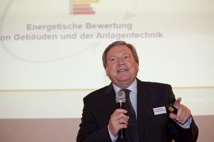 Prof. Dr.-Ing. Rainer Hirschberg, Hochschule Aachen, referierte über die energetische Bewertung von Gebäuden und der Anlagentechnik