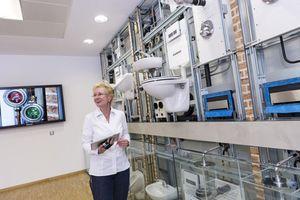 Der Geberit-Trinkwasserturm in Langenfeld verdeutlicht eine hygienische Trinwasserinstallation auf anschauliche Weise