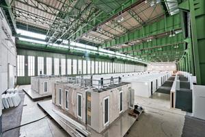 Beeindruckende Dimensionen: Am ehemaligen Flughafen Tempelhof in Berlin wurde eine Notunterkunft für bis zu 7.000 Flüchtlinge errichtet.