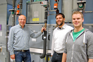 Prof. Dr. Martin Höttecke, Peter Hollenbeck und Julian Möllenhoff zeichnen verantwortlich für die neue Klimaanlage im Industriemaßstab.