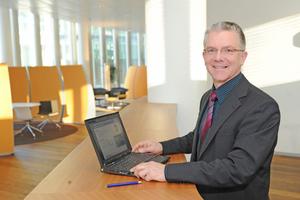 Prof. Dr.-Ing. Jochen Arthkamp entwickelt an der TFH Lösungen für Erdgas betriebene Kühl- und Heizsysteme