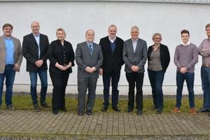 Die Projektpartner bei EnerPrax (v.l.n.r.): Dr. Elmar Brügging (FH Münster), Markus Kramp (Gelsenwasser AG), Janina Senner (GWI Essen), Ralf Sörgel (SaerVE), Wilfried Roos (Bürgermeister Gemeinde Saerbeck), Prof. Dr. Christof Wetter (FH Münster), Kirstin Greiwe (Gelsenwasser AG), Christian Heinrich (FH Münster), Johannes Schaffert (GWI Essen).  (Foto: GWI Essen)