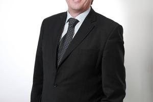 Michael Engelmann zählt fünf Thesen zur Frage auf, wie kleine TGA-Büros den Großen der Branche Paroli bieten können.