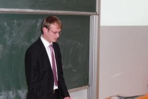 """Dipl.-Ing. (FH) Erik Gärtner hielt als 1. Preisträger (""""Beurteilung der technischen Verwertung von überschüssiger Elektroenergie"""" einen Vortrag"""