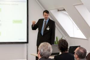 Dipl.-Ing. (FH) Marcus Schmaus bei einem Vortrag im Rahmen des von Dess&amp;Falk ausgerichteten Baudialogs<br />