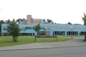 """Göttenbach-Gymnasium in Idar-Oberstein, ein Teil des Schulzentrums """"Auf der Bein"""", das mit einem Nahwärmenetz versorgt wird.<br />"""