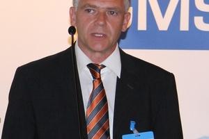 Michael Scharf, Wieland-Werke AG, ging auf die aktuellen Normungsverfahren für Sanitärwerkstoffe ein.