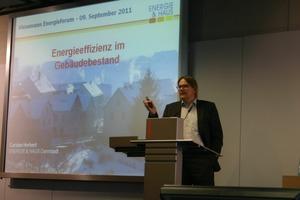 Carsten Herbert, Energieberater, erläuterte anhand historischer Entwicklungen, wie die Suche nach alternativen Energien die Entwicklung neuer Techniken beflügelt<br />