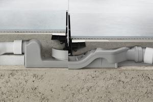 """Das Ergänzungsmodell der """"Advantix Vario""""-Duschrinne (rechts) benötigt deutlich weniger Aufbauhöhe als die Schwester und wurde speziell für Sanierungen entwickelt."""