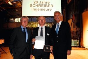 Helmut Zenker, 2. Vizepräsident der Ingenieurkammer Baden-Württemberg, Prof. Jürgen Schreiber und Ulms Baubürgermeister Alexander Wetzig (v.l.n.r.)  bei der Jubiläumfsfeier in Ulm<br />