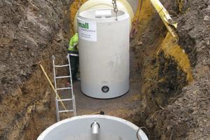 Erweiterung der Firma febi bilstein in Ennepetal; unterirdisch eingebauter Substratfilter für die Entwässerung von Parkplatzflächen<br />