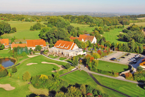 Die malerisch am Teutoburger Wald gelegene Golfanlage