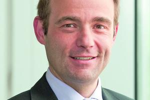 """Dr.-Ing. Wolfgang Spreitzer, Geschäftsführer der Gruner AG berichtet. """"Wenn mehr Informationen ausgetauscht werden müssen, eignen sich digitale Anbindungen mittels Modbus RTU besser.""""<br />"""