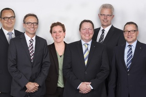 Die Wago-Geschäftsleitung (v.l.n.r.): Christian Sallach (Chief Marketing Officer), Jürgen Schäfer (Chief Sales Officer), Kathrin Pogrzeba (Chief Human Resources Officer), Sven Hohorst (Chief Executive Officer), Ulrich Bohling (Chief Operating Officer) und Axel Börner (Chief Financial Officer).