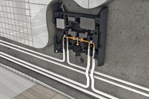 Die Spülstation hat sämtliche Rohranschlüsse an der Unterseite.