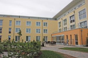 Das Seniorendomizil Haus Klara in Regensburg Burgweinting bietet Pflegeplätze für 108 Senioren.
