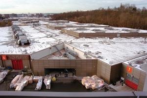 Über acht Fernleitungsstränge mit bis zu 1 km Länge wird die Heizwärme an die Klimazentralen der Messehallen verteilt<br />