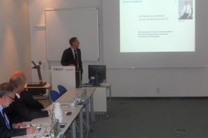 Dr. Sefker stellte die Trox GmbH in seiner Unternehmenspräsentation vor.