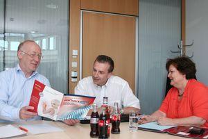 Planen den European Heat Pump Summit 2013: der zukünftige Veranstaltungsleiter Alexander Stein (Mitte) mit Gabriele Hannwacker und dem fachlichen Koordinator Dr. Rainer Jakobs
