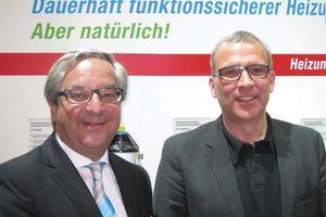 Michael Sautter (links) und Jürgen Korff gaben auf der ifh in Nürnberg bekannt, dass perma-trade Wassertechnik und Paradigma künftig zusammenarbeiten werden. (Fotos: perma-trade)