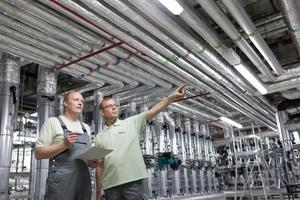 Um produzierenden Unternehmen mit Kältebedarf den Ausstieg aus der Verwendung von F-Gasen zu erleichtern, unterstützen Wisag-Experten ihre Kunden mit individueller Beratung und bei der Beantragung von Fördergeldern.