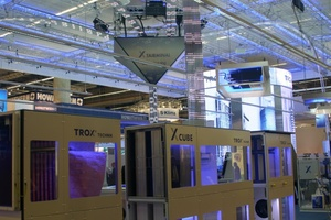 Beeindruckend inszeniert: Die digitalen Informationsströme in der Raumlufttechnik am Trox-Messestand.
