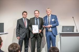 … und in der Kategorie Raumlufthygiene (v.l.n.r.) mit Simon Probst, Bernhard Porscha und Dr. Stefan Burhenne.