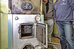 Der alte Viessmann-Kessel lief mit Holz und wird nun durch einen neuen, energieeffizienten Kessel aus dem Hause Viessmann ersetzt.