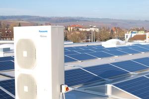 Ein Außengerät auf dem Dach des Fachmarktzentrums im Klettgau