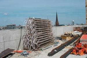 """Insgesamt werden in dem neuen Gebäude <strong>8150</strong> m<strong><sup>2</sup></strong> Raumdeckenfläche mit den vorgefertigten Modulen der """"Contec""""-Betonkernaktivierung ausgestattet<br />"""